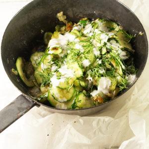 Zucchini mit Dillsauce  - Koch-Rezepte Elke Eisner Steinzeitköchin Paleo