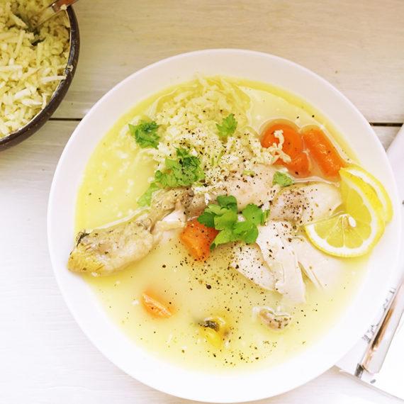 Griechische Eier-Zitronensuppe mit Huhn und Karfiol-Reis - Koch-Rezepte Elke Eisner Steinzeitköchin Paleo