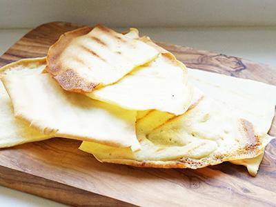 Crépes Toast karamellisierte Zwiebel Prosciutto