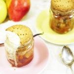Bratapfel-mit-mehlfreiem-Mürbteig, gesundes Dessert, mehlfrei gebacken, vegan, eine schnelle Süßspeise, gesund mit wenigen Kalorien, ohne Milchprodukte, wenig kohlenhydrate, zuckerfrei, ein gesundes Rezept
